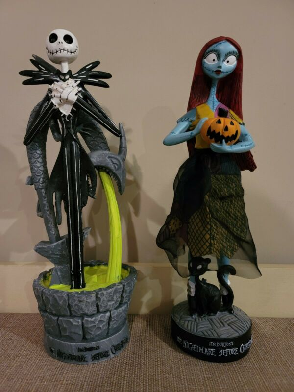 DISNEY NIGHTMARE BEFORE CHRISTMAS JACK and SALLY STATUES 2021 EXCLUSIVE SET OF 2