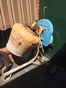 Cement mixer Endeavour Hills Casey Area Preview