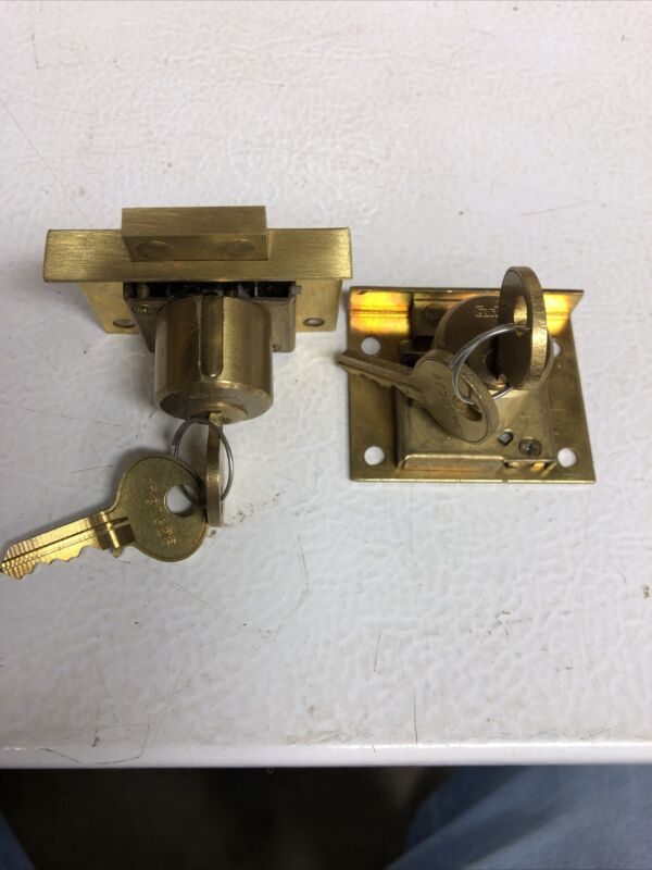 """CORBIN #0666-1/2 DRAWER LOCK, FOR 7/8"""" THICKNESS, KEY #4t37526-set of 2"""
