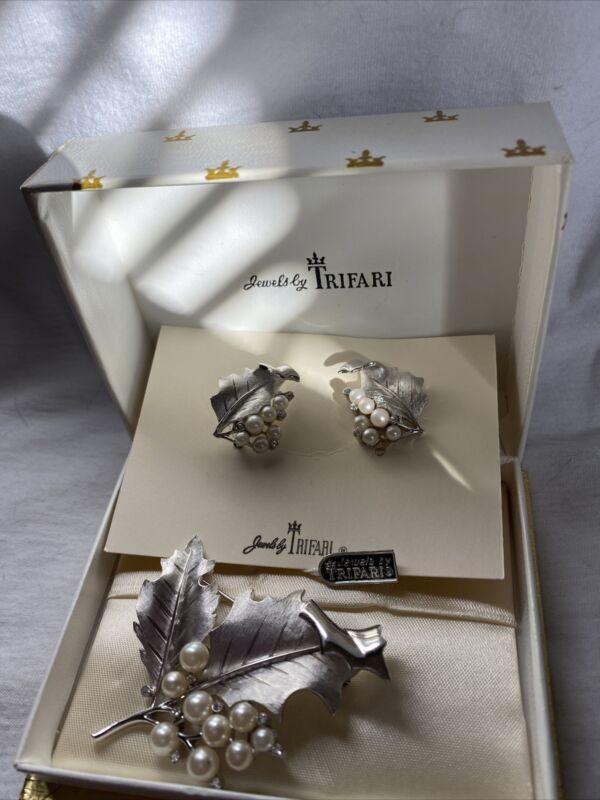 Vintage Crown Trifari Grape Leaf & Faux Pearl Silver Tone Brooch /Clip Earrings