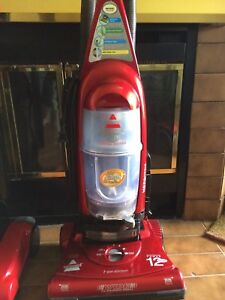 Bissell Cleanview Special Edition Bagless Vacuum