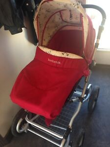 Queen B stroller with toddler seat