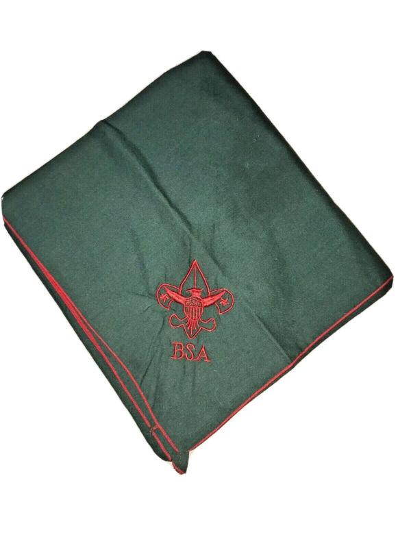 BSA BOY SCOUT GREEN RED TENDERFOOT OFFICIAL UNIFORM EMBROIDERED NECKERCHIEF EUC