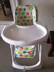 2 high chairs. Maudsland Gold Coast West Preview
