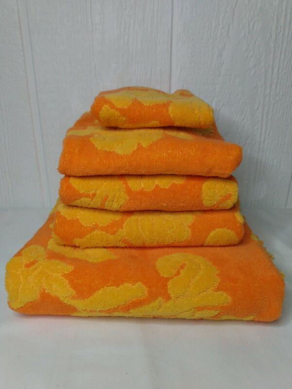 Vintage Cannon Monticello Bath Towel Sculpted Floral Fringe Ends Orange Yellow