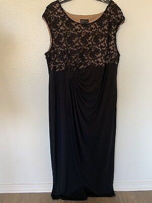 NWT Connected Apparel Women's Plus Size 22W Lace Floral Nude Cap-Sleeve Gown  - Plus Size Nude Women