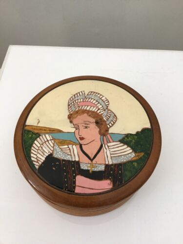 Quimper Bretonne Round Carved Wooden Lidded Jewelry Box Fouillen Style France