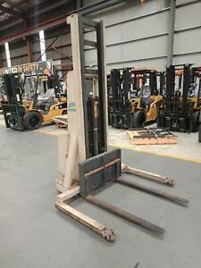 CROWN  20MT Walkie Stacker Welshpool Canning Area Preview