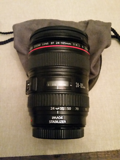 Canon EF 24-105mm f4 IS with hood and bag