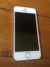 iPhone 5 near new condition Trigg Stirling Area Preview