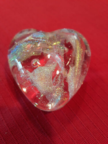 "ROBERT HELD ART GLASS VINTAGE HEART "" BEAUTIFUL IRRIDESCENT DESIGN""    ""SIGNED"""