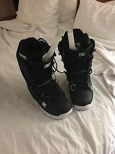 DC snowboard boots (new)