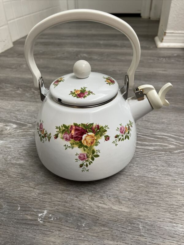 ROYAL ALBERT OLD COUNTRY ROSES TEA KETTLE 1962 Used
