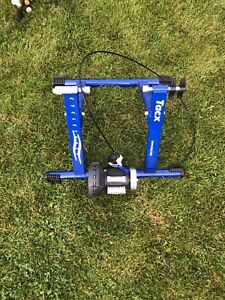 Indoor Bicycle Wind Trainer LIKE NEW!