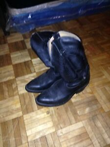 Size 8 woman's cow boy boots