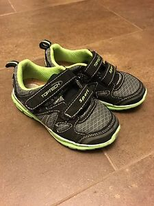 Boys sneakers size 10 - Excellent condition