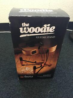 'The Woodie' Guitar Stand - hardly used