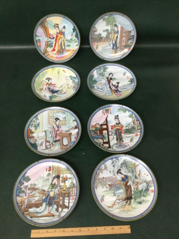 Imperial Jingdezhen Set  8 Porcelain Plates Series: Beauties of the Red Mansion