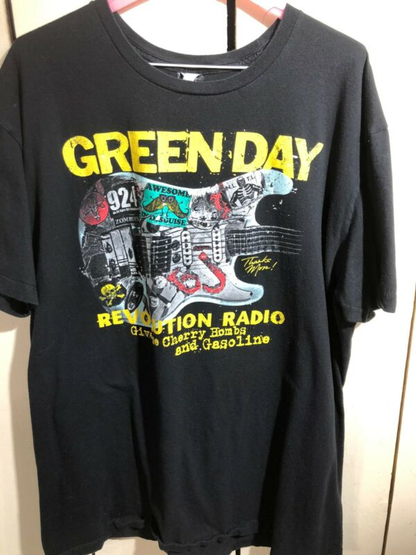 Green Day Revolution Radio Give Me Cherry Bombs Gasoline Men Black T-Shirt Large