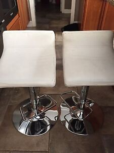 Counter height adjustable stools