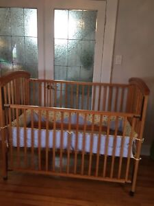 Convertible crib for sale in Ashby area of Sydney