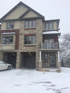 3 bedroom townhouse for rent in Ancaster