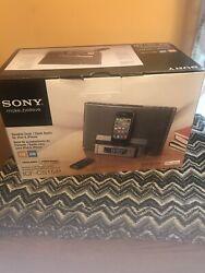 Sony SpeakerDock /Clock Radio For IPod and Iphone