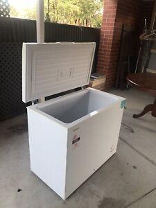 Chest freezer - Hisense 205L
