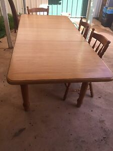 Solid pine 6 seater dining table Mascot Rockdale Area Preview