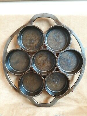 Lodge Cast Iron Biscuit Pan 7 Slot Baking Mold USA 7B2 Mold ~ Muffin Cornbread