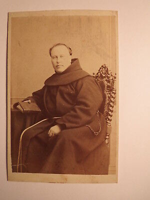 Bamberg - sitzender Mönch in Kutte mit Buch - Mönchskutte - Geistlicher / CDV