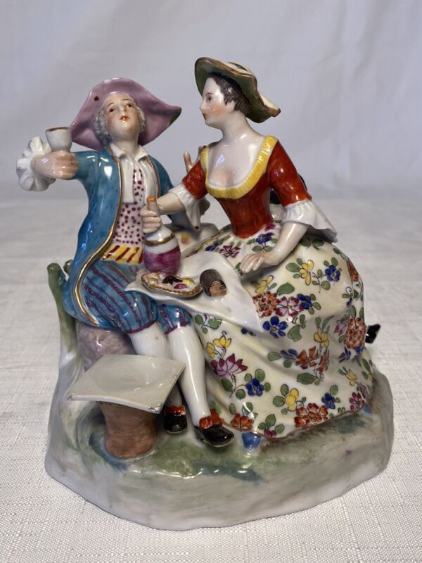 Royal Vienna Figurine antique porcelain figural group courting