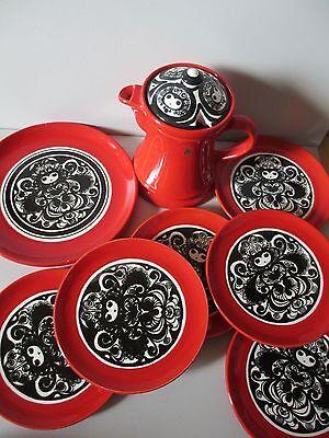 SMF Schramberg Mon Amour Keramik rot schwarz weiß, 6 Kuchenteller u.1 Kanne
