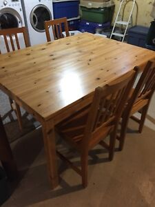 Solid pine dinning set with six chairs