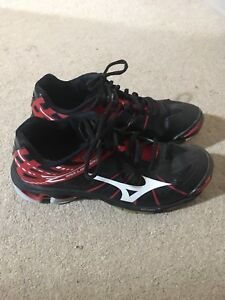 Mizuno Wave Lightning Court Shoes
