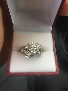 Engagement and wedding rings Warner Pine Rivers Area Preview