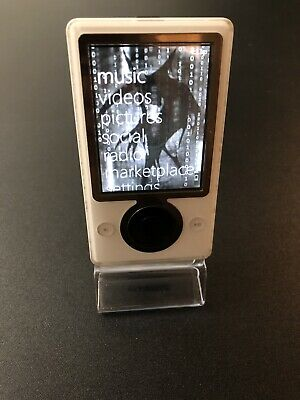 Microsoft Zune 30GB Digital Media Player White Model 1090 TESTED! 8/10 Nice! Microsoft Zune Player