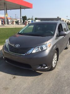 2014 Toyota Sienna XCL TOUT ÉQUIPE conditions impeccable