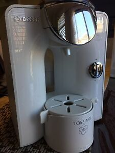 LIKE  NEW Tassimo Single Cup Home Brewing System by Bosch