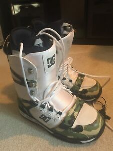 DC Gel Snowboard Boots Size 12 Mens