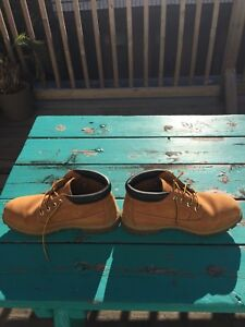 Vend Timberland 6-inch Boots taille 43 Size 9