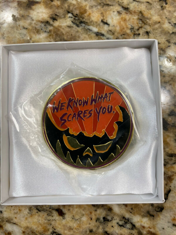 Halloween Horror Nights Manager Exclusive Coin Medallion HHN 2019 Cloisonné