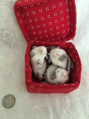 FOLKMANIS 3 White Mice Mouse Gift Present Box Plush Finger Puppet Surprise Toy Finger Puppet Plush Toy