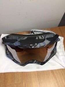Oakley Ambush Snow Goggles - MINT CONDITION