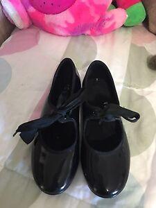 Dance shoes size 10/11 kids