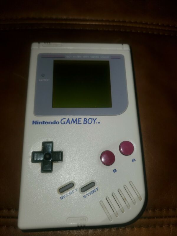 1989 Nintendo Game Boy Original Gameboy with 10 games and vintage case