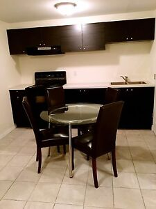 Newly renovated 5 single rooms forent close to DT, sait & U of C