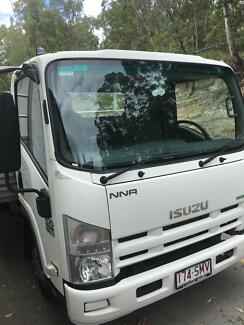 2012 Isuzu NNR200 in great condition