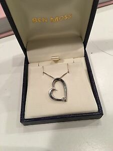 0.1 Carat Diamond Heart Necklace