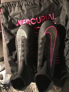 Mercurial superfly soccer cleats